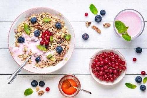 Los cereales y los frutos secos se incluyen en los alimentos que favorecen la concentración de los niños.