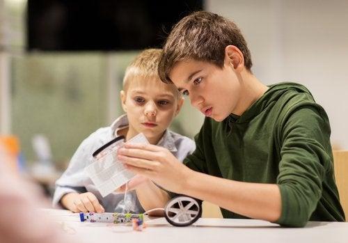 La lateralidad en los niños es una cualidad muy ligada al desarrollo cerebral.