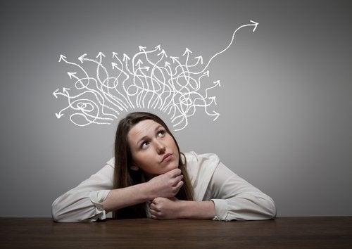 El desarrollo cognitivo en la adolescencia es un proceso complejo y con muchos factores que forman parte.