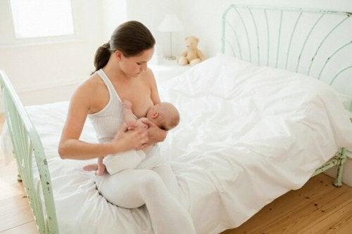¿Cuánto tiempo debe dormir el bebé antes de alimentarse?
