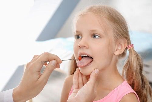 La disartria infantil: síntomas y tratamiento