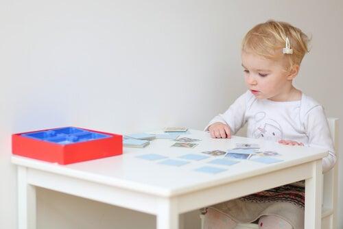 Existen juegos especìficos para ejercitar la memoria en los niños.
