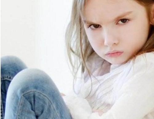 Saber cómo explicar las emociones a los niños les permitirá manejar mejor su ira.
