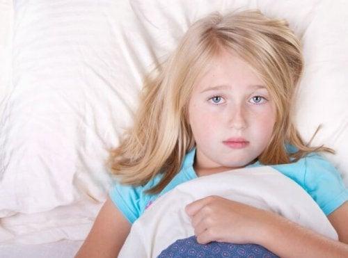 La hipersomnia en niños arruina su sueño nocturno.