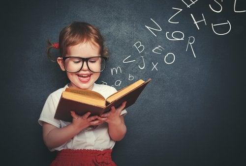 Cuando un niño comprende las letras y sus sonidos, ya está listo para aprender a leer.
