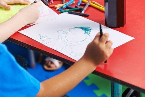 La capacidad de dibujar es un aspecto clave para potenciar el pensamiento visual.