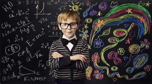 Para poder concebir la creatividad en la educación, se debe tener en claro que el error también es un instrumento de aprendizaje.