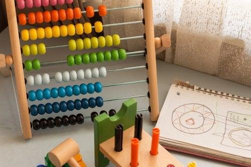 Ábaco para impulsar la inteligencia matemática en los niños.