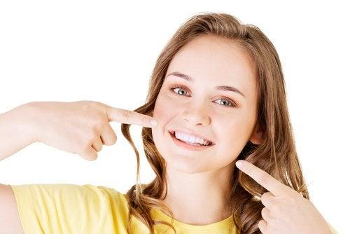 Ayudar a los adolescentes a aceptarse los hará más felices.