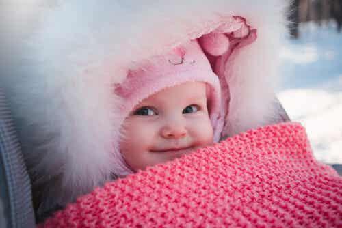 ¿Qué ropa necesita un recién nacido en invierno?