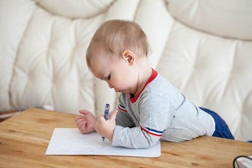 Las etapas de la escritura infantil.