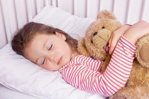 La técnica del 4-7-8 que hará que tu hijo se duerma en un minuto