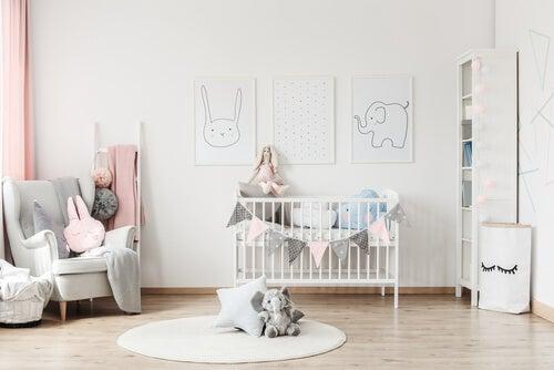 ¿Cómo organizar la habitación del bebé para que quepa todo?