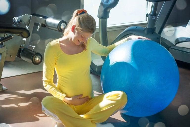 6 ejercicios básicos de suelo pélvico para embarazadas