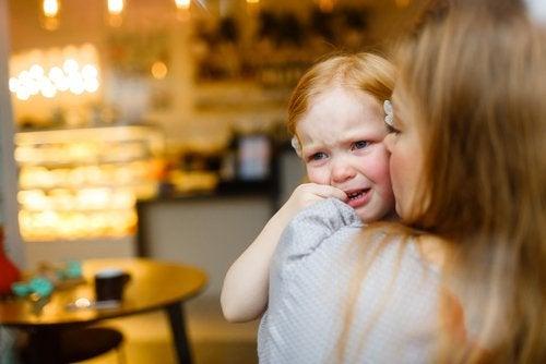 4 frases que consuelan a los niños cuando lloran