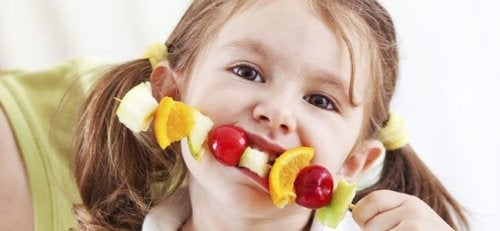 Formas de hacer atractivas las frutas para los niños.