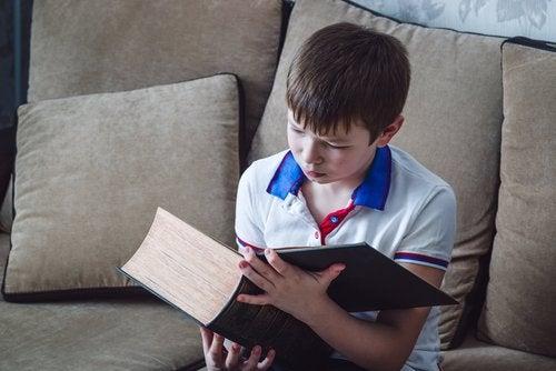 Les prénoms espagnols qui définissent une tendance pour les garçons dénotent des vertus différentes des enfants.