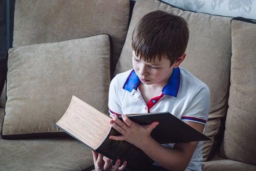 9 maneras de enseñar a los niños a odiar la lectura