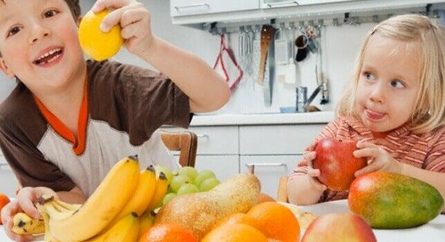 Formas de hacer atractivas las frutas para niños.