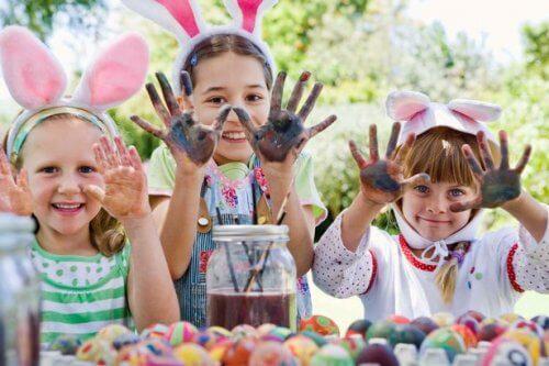 Los planes para Semana Santa con niños son una buena forma de unir a la familia.