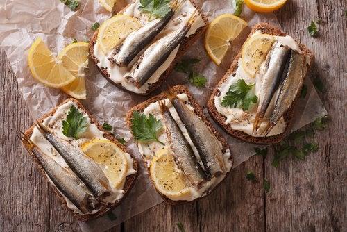 Las sardinas están incluidas en los alimentos ricos en hierro para embarazadas.
