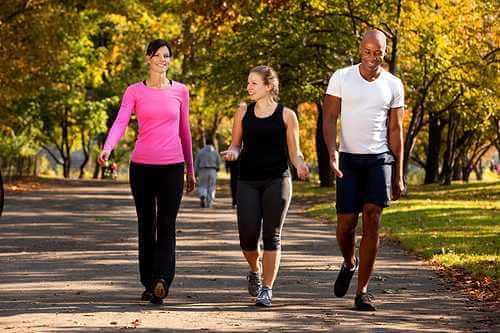 Una caminata ayuda a que la regla duela menos.