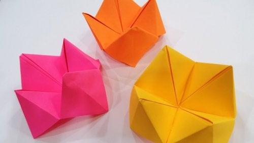 ¿Cómo hacer un comecocos de papel?