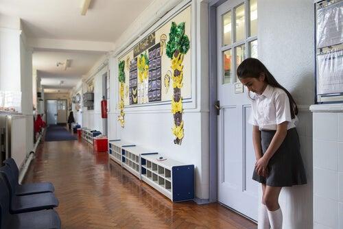 ¿Qué hacer si expulsan a mi hijo del colegio?