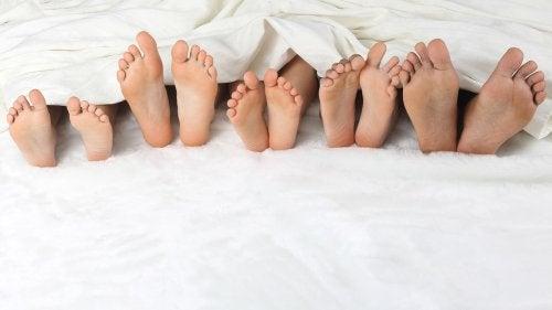 5 formas de dormir en colecho