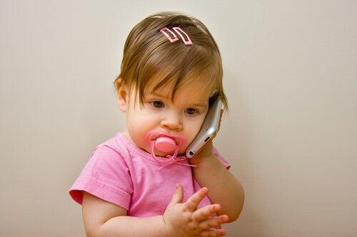 Mi hijo todavía no habla, ¿debo preocuparme?