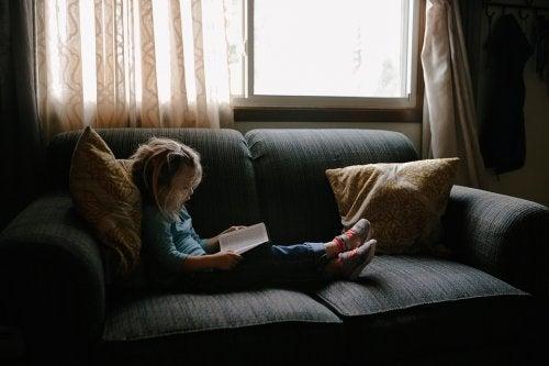 Trabajar la lectura con niños los impulsará a tomarlo como un pasatiempo.