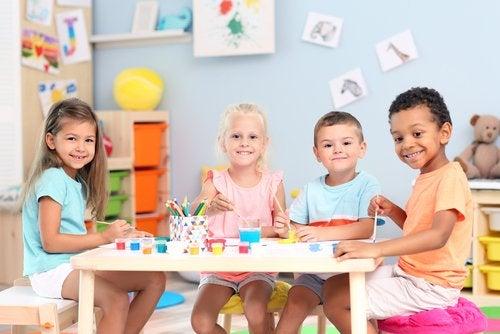Las madres deben preparar a los niños para su primera vez en el jardín de infancia.