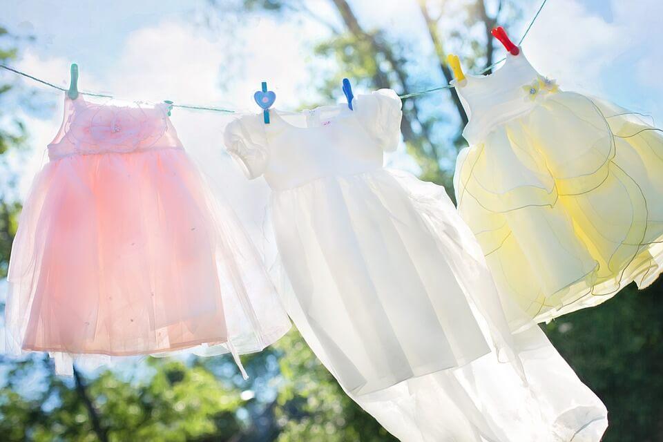 5 trucos para eliminar la pintura de la ropa de los niños - Eres Mamá
