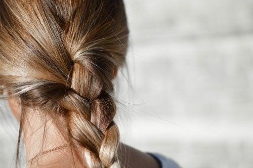 Teñir el pelo durante la lactancia persigue el objetivo de mejorar el aspecto de la mujer tras el duro embarazo.