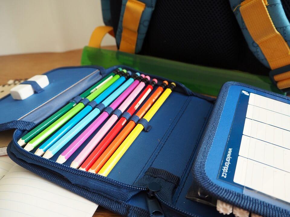 ¿Qué debo meter en la mochila del colegio?