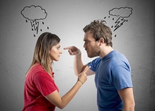 ¿Por qué es bueno no discutir delante de los niños?