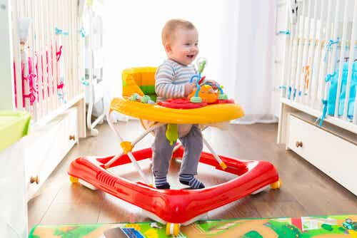 Ventajas y desventajas de los andadores para bebés