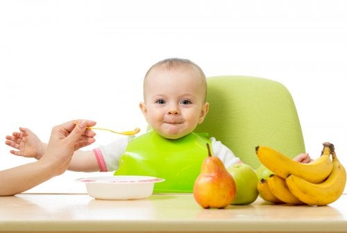 ¿Cómo introducir la fruta a los niños?