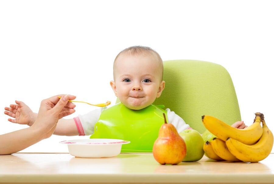 Hay distintos métodos para introducir la fruta a los bebés.