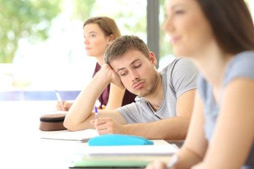 Hay muchos adolescentes que sufren trastornos por déficit de atención e hiperactividad pero que nunca les ha sido diagnosticado.