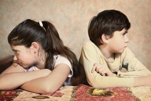 Mis hijos pequeños discuten todo el tiempo, ¿qué hacer?