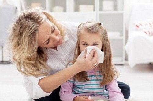 Hay ciertas técnicas para prevenir el sangrado de nariz frecuente en niños.