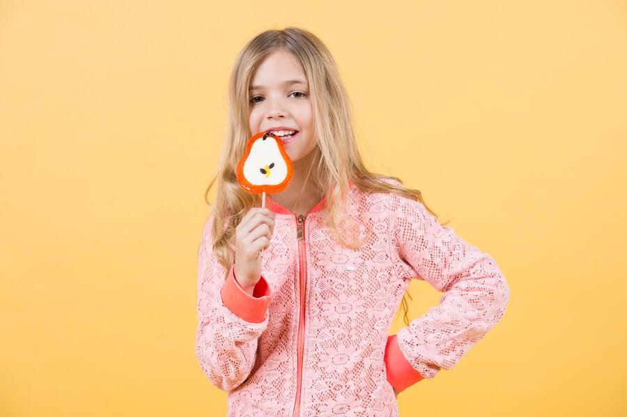 ¿Cuánta azúcar deben tomar los niños?