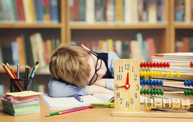¿Obligar a los niños a estudiar es un error o lo mejor para su futuro?
