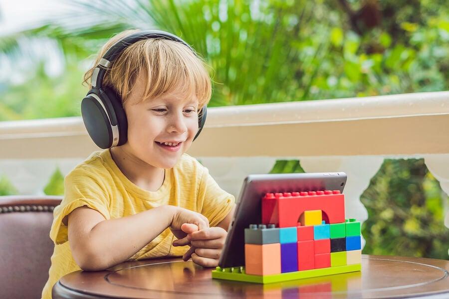Los dispositivos digitales también pueden ayudar a acercar la literatura a los niños a través de la música.
