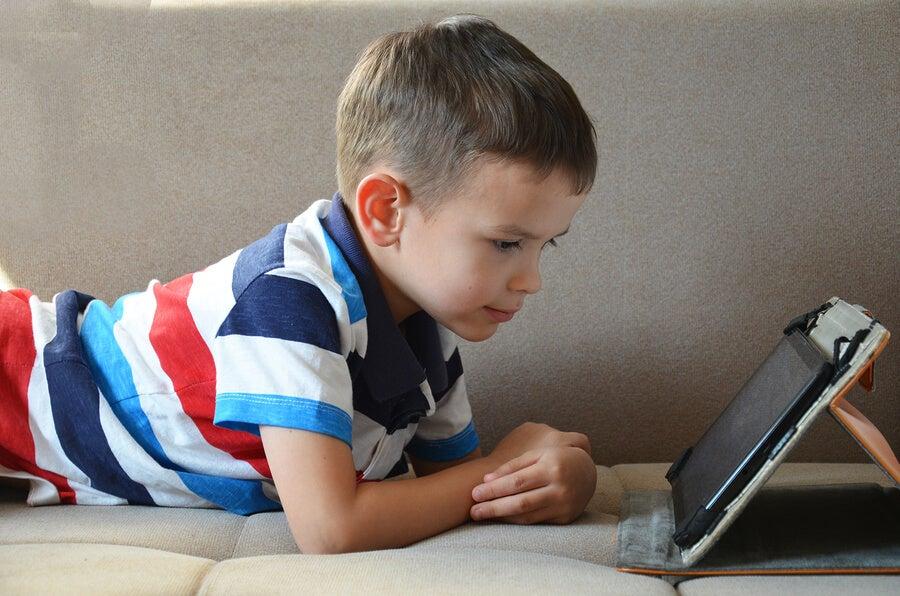 Es bueno que los niños utilicen tablets? - Eres Mamá
