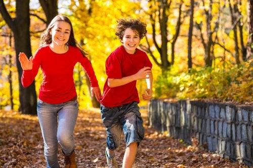 La adolescencia precoz puede generar sentimientos y emociones nuevas en los niños.