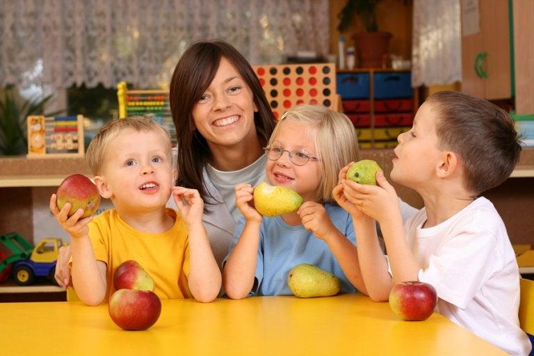 8 alimentos ricos en vitaminas para niños