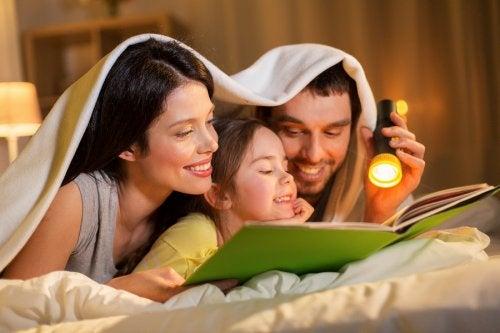 ¿Por qué es bueno enseñar a los niños a leer antes de dormir?