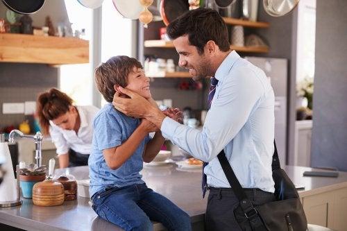 Por qué los padres deben despedirse antes de salir